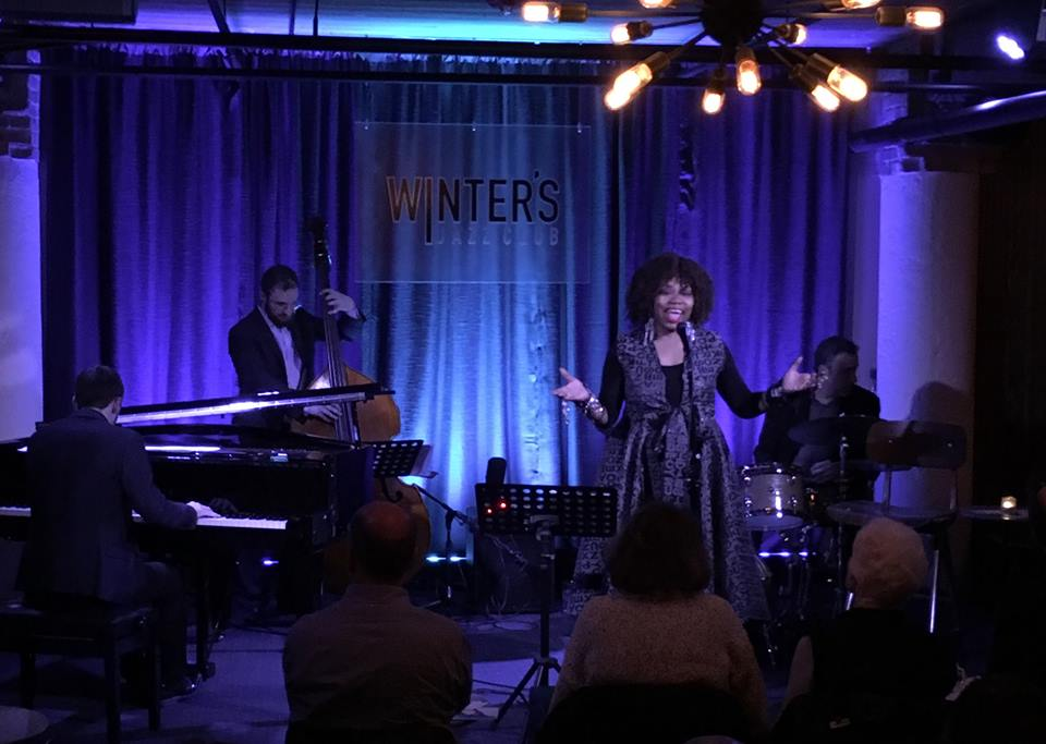 Dee Alexander performing with the George Fludas Trio. (Photo by WDCB.)
