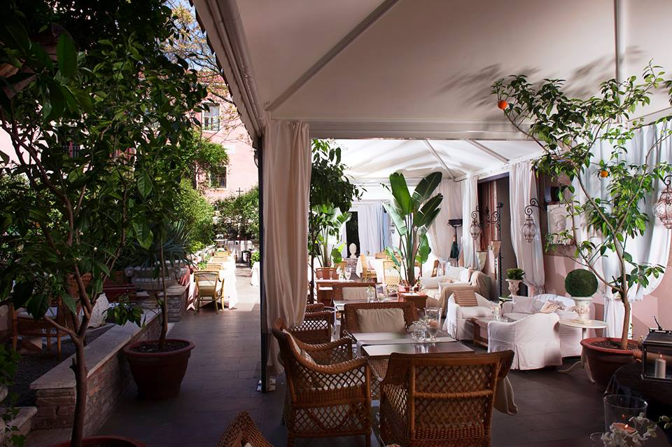 Italian Hotels and Villas