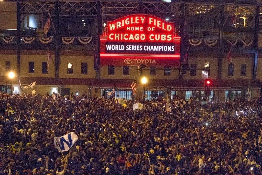 cubs2016_flythew_fb2